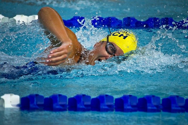 plavec na dráze