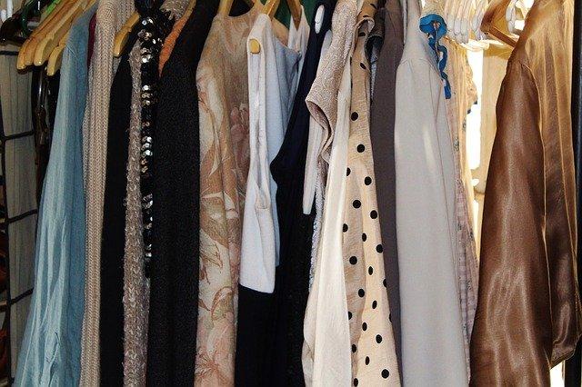 Vybíráme novou šatní skříň