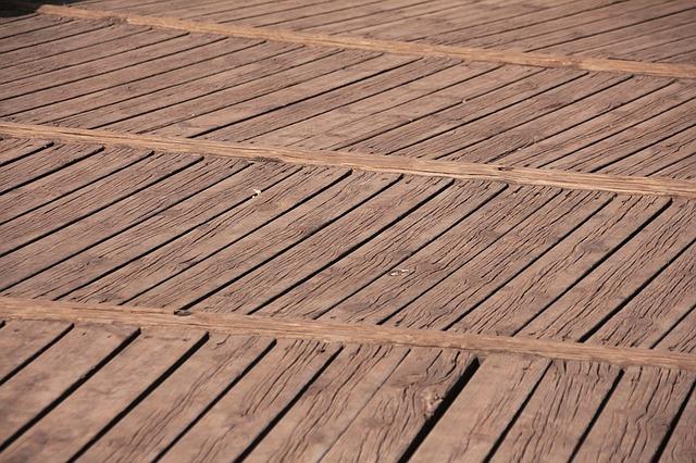 stará prkenná podlaha